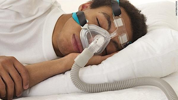 Apnea del sueño: síntomas, causas, tratamientos y más